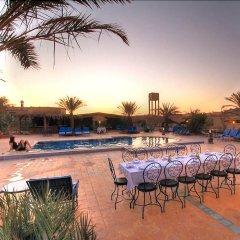 Отель Ksar Bicha Марокко, Мерзуга - отзывы, цены и фото номеров - забронировать отель Ksar Bicha онлайн бассейн фото 3