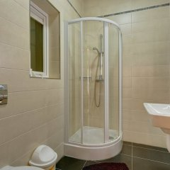 Отель Stunning Seafront Lux Apt wt Pool, Upmarket Area Мальта, Слима - отзывы, цены и фото номеров - забронировать отель Stunning Seafront Lux Apt wt Pool, Upmarket Area онлайн ванная