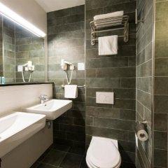 Отель Bastion Hotel Amsterdam Airport Нидерланды, Хофддорп - отзывы, цены и фото номеров - забронировать отель Bastion Hotel Amsterdam Airport онлайн ванная