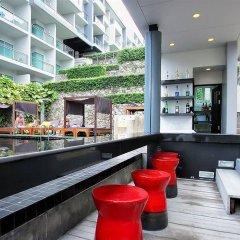 Отель Sugar Palm Grand Hillside гостиничный бар