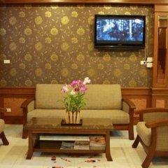 Отель NNC Patong Inn гостиничный бар