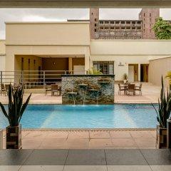 Protea Hotel by Marriott Benin City Select Emotan бассейн
