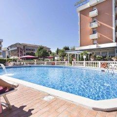 Hotel Apollo бассейн