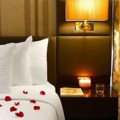 Отель Dubai Marine Beach Resort & Spa сейф в номере