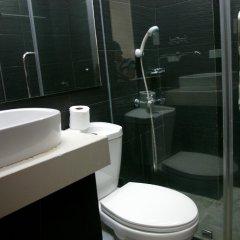 Отель LSM Square Residence Филиппины, остров Боракай - отзывы, цены и фото номеров - забронировать отель LSM Square Residence онлайн ванная