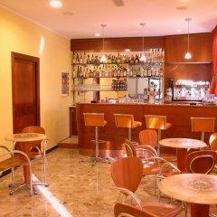 Отель Ben Hur Римини гостиничный бар