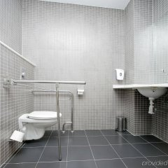 B&B Hotel Madrid Aeropuerto T1 T2 T3 ванная
