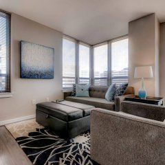 Отель Global Luxury Suites at Woodmont Triangle South комната для гостей
