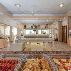Отель Porfi Beach Hotel Греция, Ситония - 1 отзыв об отеле, цены и фото номеров - забронировать отель Porfi Beach Hotel онлайн питание фото 3