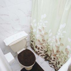 Отель K&VC International Hotel Гайана, Джорджтаун - отзывы, цены и фото номеров - забронировать отель K&VC International Hotel онлайн ванная фото 2
