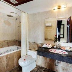 Отель Hanoi Posh Hotel Вьетнам, Ханой - отзывы, цены и фото номеров - забронировать отель Hanoi Posh Hotel онлайн ванная
