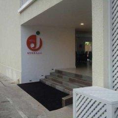 Hotel J парковка