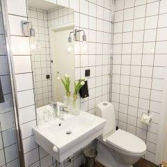 Отель Livin Station Швеция, Эребру - отзывы, цены и фото номеров - забронировать отель Livin Station онлайн ванная