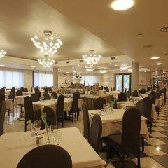Отель Splendid Sole Манерба-дель-Гарда помещение для мероприятий фото 2