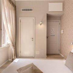 Maison D'Art Boutique Hotel сейф в номере