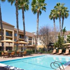 Отель Courtyard Milpitas Silicon Valley бассейн фото 2