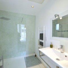 Отель Villa du roc fleuri Франция, Канны - отзывы, цены и фото номеров - забронировать отель Villa du roc fleuri онлайн ванная