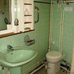 Отель Arlette La Fourche Франция, Париж - отзывы, цены и фото номеров - забронировать отель Arlette La Fourche онлайн ванная фото 2