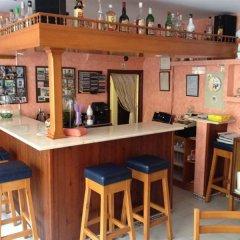 Отель Hostal Cala Ratjada гостиничный бар