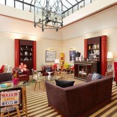 Отель Hôtel Waldorf Trocadéro развлечения
