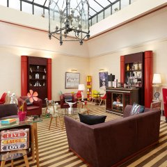 Hotel Waldorf Trocadero развлечения
