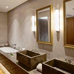 Отель Grand Hotel Tremezzo Италия, Тремеццо - 2 отзыва об отеле, цены и фото номеров - забронировать отель Grand Hotel Tremezzo онлайн ванная