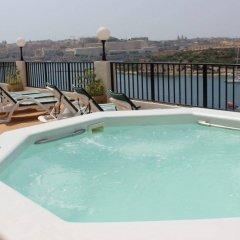 Sliema Marina Hotel бассейн