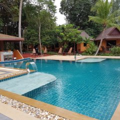 Отель Sayang Beach Resort Ланта бассейн