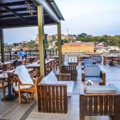 Отель Mamba Point Hotel Freetown Сьерра-Леоне, Фритаун - отзывы, цены и фото номеров - забронировать отель Mamba Point Hotel Freetown онлайн бассейн фото 2