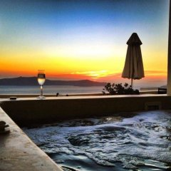 Отель Adamis Majesty Suites Греция, Остров Санторини - отзывы, цены и фото номеров - забронировать отель Adamis Majesty Suites онлайн бассейн фото 2