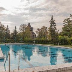 Отель Hunguest Helios Хевиз бассейн