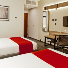 Отель City Express Plus Patio Universidad удобства в номере