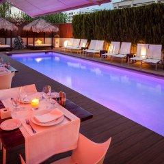 El Hotel Pacha бассейн