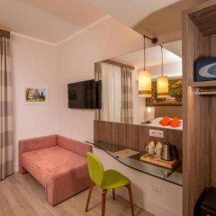 Hotel Villa Grazioli сейф в номере