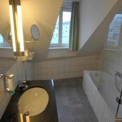 Отель Astor & Aparthotel Германия, Кёльн - отзывы, цены и фото номеров - забронировать отель Astor & Aparthotel онлайн ванная
