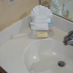 Отель The Floridian Hotel and Suites США, Орландо - отзывы, цены и фото номеров - забронировать отель The Floridian Hotel and Suites онлайн ванная