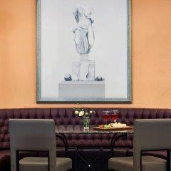 Отель Louis Phaethon Beach - All Inclusive гостиничный бар