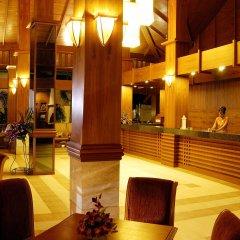 Отель Horizon Patong Beach Resort & Spa интерьер отеля