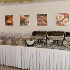 Les Palmiers Beach Hotel in Larnaca, Cyprus from 124$, photos, reviews - zenhotels.com meals