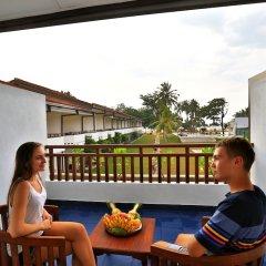 Отель Hibiscus Beach Hotel & Villas Шри-Ланка, Ваддува - отзывы, цены и фото номеров - забронировать отель Hibiscus Beach Hotel & Villas онлайн балкон