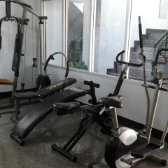 Апартаменты Baan Khun Mae Apartment фитнесс-зал фото 2