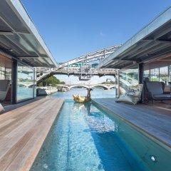 Отель Off Paris Seine бассейн