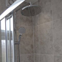 Отель Charlotte Guest House Лондон ванная фото 2