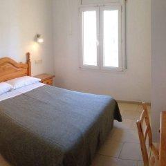 Отель Hostal Rom Испания, Курорт Росес - отзывы, цены и фото номеров - забронировать отель Hostal Rom онлайн комната для гостей фото 5