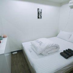 Отель Monster Guesthouse комната для гостей