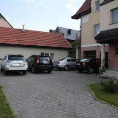 Апартаменты Villa Severin Holiday Village Apartments Светлогорск парковка