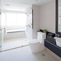 Отель Viva Garden Managed By Bliston Бангкок ванная
