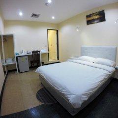 Отель Vplace Silom Бангкок комната для гостей