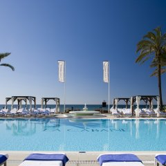 Отель Los Monteros Spa & Golf Resort бассейн