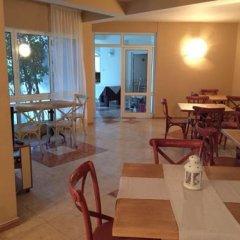 Отель Lucky Family Hotel Ravda Болгария, Равда - отзывы, цены и фото номеров - забронировать отель Lucky Family Hotel Ravda онлайн питание фото 2